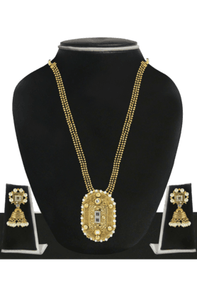 ZAVERI PEARLS Womens Gold Plated Pearl Necklace Set - 200929039