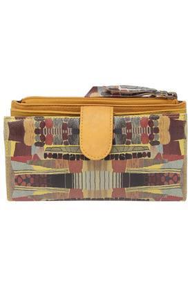 b26105b5c39 Buy Baggit Handbags & Wallets Online | Shoppers Stop