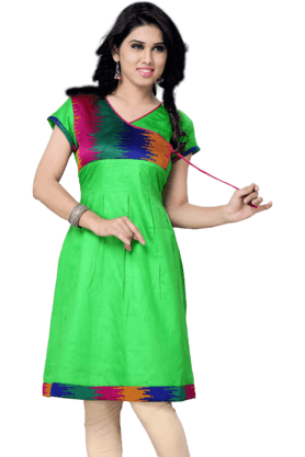 DEMARCA Womens Short Sleeves Kurta (Buy Any Demarca Product & Get A Pair Of Matching Earrings Free)
