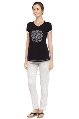 Womens V Neck Printed Top and Pyjamas Set