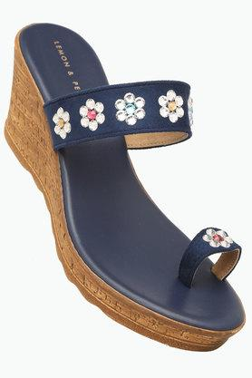 innovative design fad72 aef71 Buy Womens Shoes   Sandals Online   Shoppers Stop