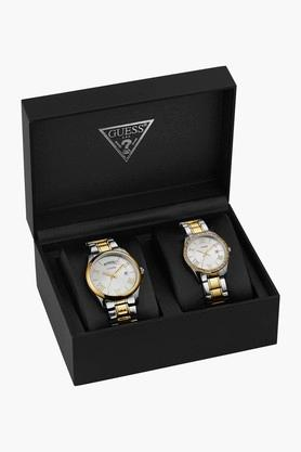 GUESSSilver Tone Stainless Steel Greenwich Watch W0925P1