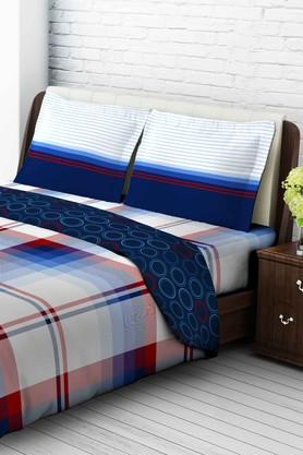 TANGERINETangy Orange Cotton King Bedsheet With 2 Pillow Covers - Blue & Red