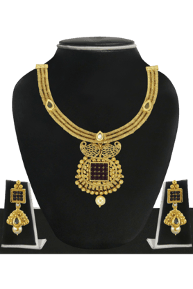 ZAVERI PEARLS Womens Gold Plated Pearl Necklace Set - 200929046