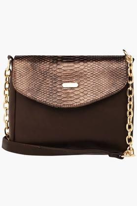 LAVIEWomens Leather Snap Closure Sling Bag