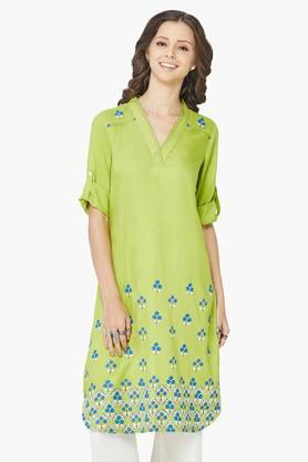 GLOBAL DESI Women's Floral Print V-neck Kurta