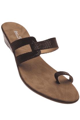 INC.5Womens Black Toned Slipon Wedge Sandal
