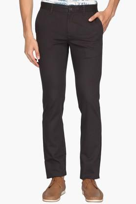 INDIAN TERRAIN Mens Slim Fit 4 Pocket Solid Trousers (Brooklyn Fit)