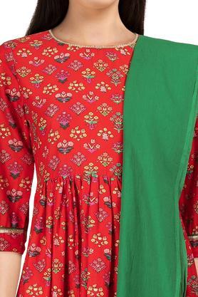 Womens Round Neck Floral Print Kurta & Dupatta Set