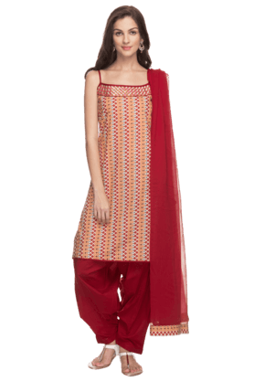 HAUTE CURRY Womens Printed Patiala Suit