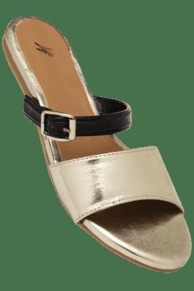 HAUTE CURRYWomens Party Wear Slipon Flat Chappal