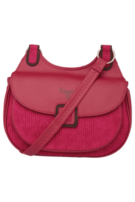 BAGGIT Womens Zipper Closure Leather Sling Bag