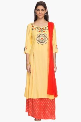 HAUTE CURRY Womens Printed Skirt Kurta And Dupatta Set