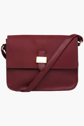 CAPRESE Womens Mereen Leather Sling Bag