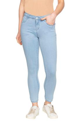 Womens 4 Pocket Rinse Wash Jeans