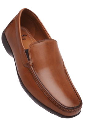 CLARKS Mens Leather Slipon Formal Shoe (Use Code FB20 To Get 20% Off On Purchase Of Rs.1800)