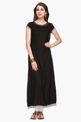 STOP Womens Round Neck Solid Kurta