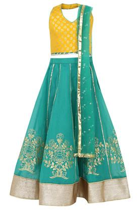 Get Upto 50% Off On Girls Dress, Suits Clothes Online
