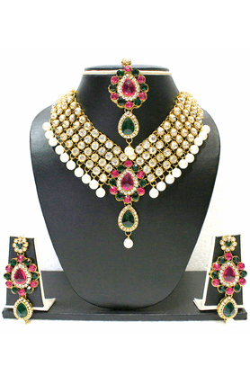 ZAVERI PEARLS Multicolor Pearl & Kundan Necklace Set - ZPFK1404