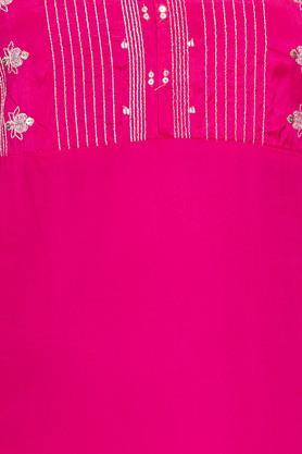 Womens Round Neck Solid Embellished Kurta