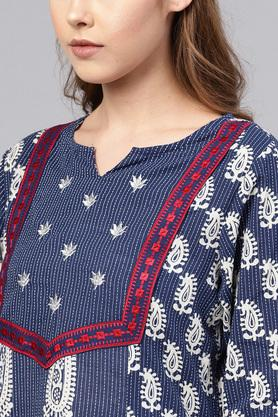 Womens Straight Fit Round Neck Printed Embroidered Kurta