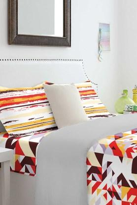 SPACES Cotton Geometric Double Bedsheet With Pillow Cover