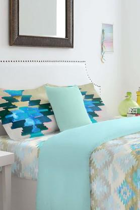 SPACESCotton Geometric Double Bedsheet With Pillow Cover - 201613053