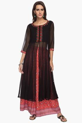 HAUTE CURRY Womens Embroidered Kurta And Skirt Set