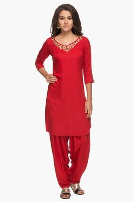 KASHISH Womens V Neck Embroidered Kurta And Patiala Set