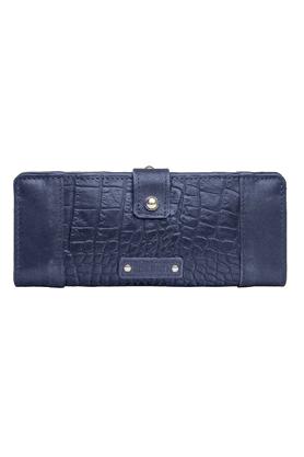 Womens Nakasu Croco 2 Fold Wallet