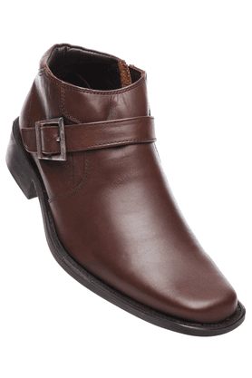 Franco Leone: Flat 40% Off on Men Footwear