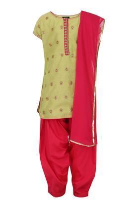 Girls Round Neck Sequined Salwar Suit