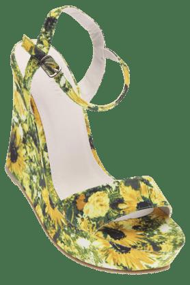 VAN HEUSENWomens Platform Sandal