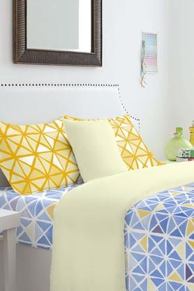 SPACES Cotton Geometric King Bedsheet With Pillow Cover - 201613058