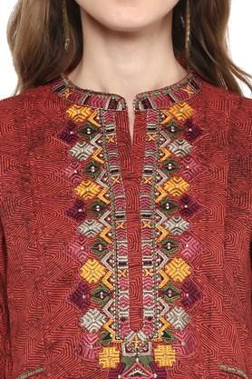 Womens Mandarin Collar Printed Embroidered Kurta