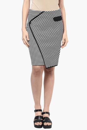 109FWomens Stripe Straight Skirt