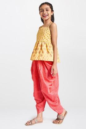 GLOBAL DESI GIRLS - MustardGlobal Desi Girls worth 1999/- and get Rs 250/- OFF - 2