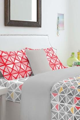 SPACES Cotton Geometric King Bedsheet With Pillow Cover