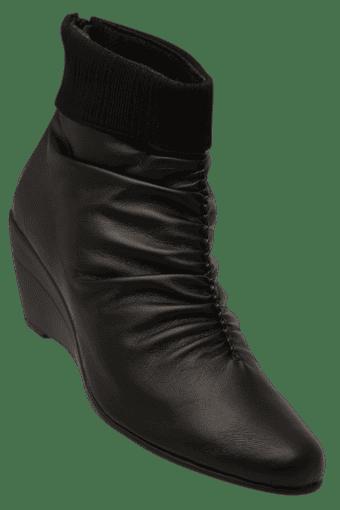 Buy RAW HIDE Womens Leather Zipper Closure Boot  5f0e8194e7