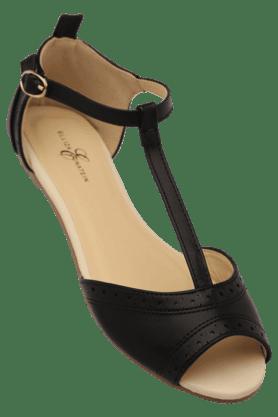 ELLIZA DONATEINWomens Daily Wear Ankle Buckle Closure Flat Sandal