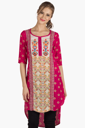 FUSION BEATS Womens Slim Fit Printed Kurti