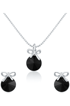 MAHI Rhodium Plated Black Pendant Set Made With Swarovski Elements For Women NL1104080RBla