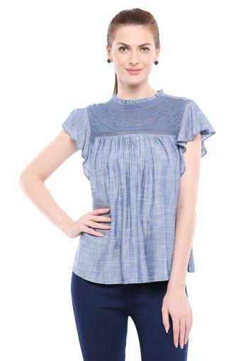 Womens Ruffled Collar Slub Yoke Top