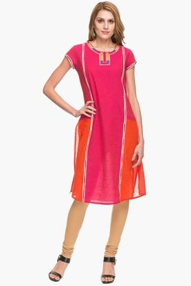 IMARA Womens Round Neck Colour Block Embroidered Kurta