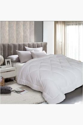 White Milk Protein Quilt (Quilt (Single)