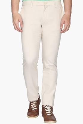 INDIAN TERRAIN Mens Slim Fit 5 Pocket Solid Chinos (Brooklyn Fit)