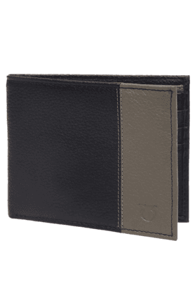 TITAN Mens Leather Basic Bifold Wallet