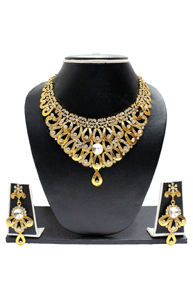 ZAVERI PEARLS GOLD Plated Necklace Set - ZPFK1063
