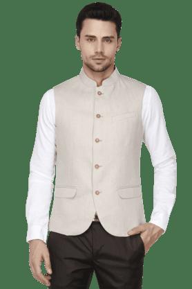 BLACKBERRYSMens Slim Fit Solid Sleeveless Nehru Jacket - 200559087