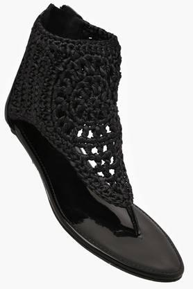 CATWALKWomens Casual Wear Zipper Closure Flat Sandals